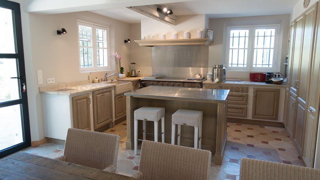 cr ation et installation d 39 une cuisine dans une bastide suivi de chantier et cr ation. Black Bedroom Furniture Sets. Home Design Ideas